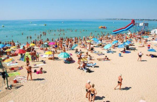 Пляж в Евпатории.