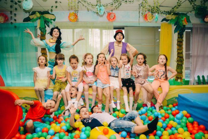 Детский клуб «Акуна-матата»