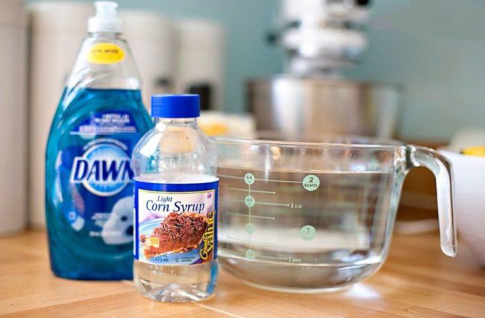 Как приготовить раствор для мыльных пузырей из жидкого мыла