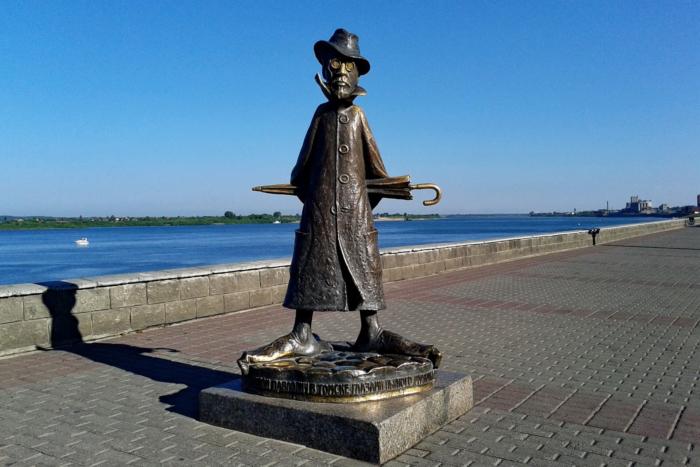 Самый необычный в мире памятник А. П. Чехову