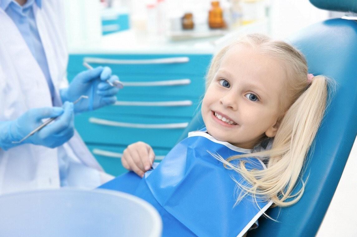 Почему стоит выбрать детскую стоматологию для лечения детей